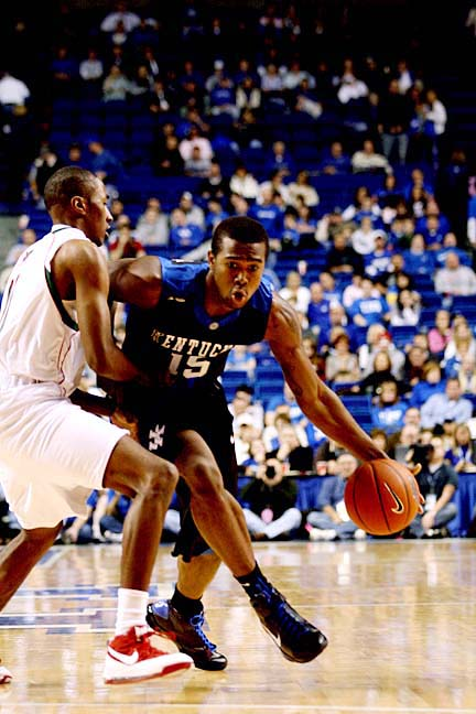 Sources: AJ Stewart no longer a member of the UK Basketball team